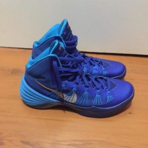 Nike/ Hyperdunk basketball shoes